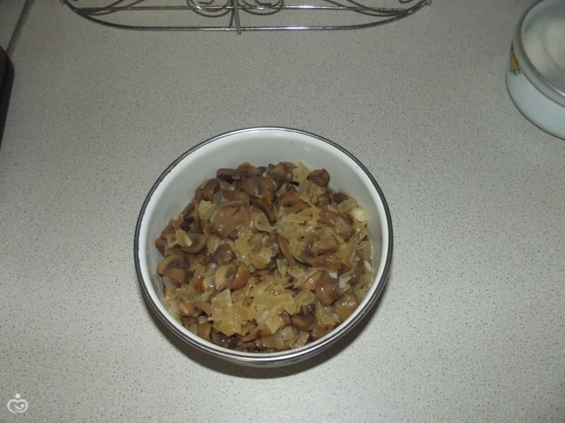 Пирог с грибами, рисом и яйцами – Шаг 1