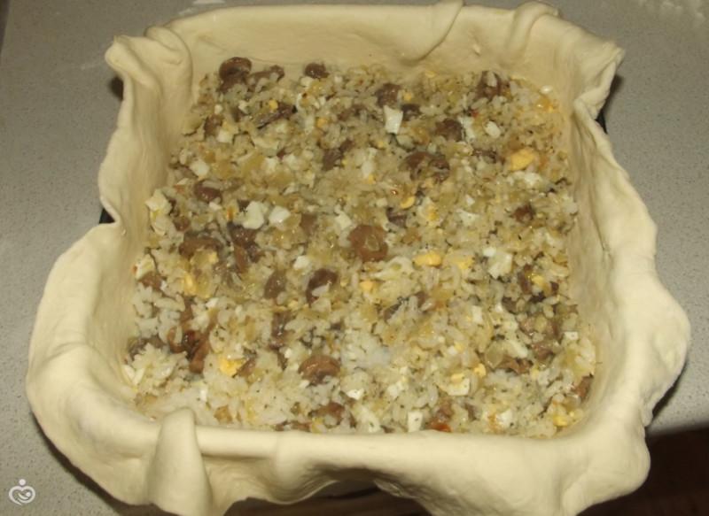 Пирог с грибами, рисом и яйцами – Шаг 5